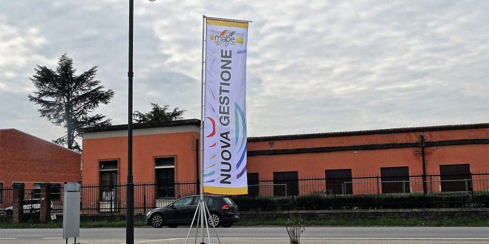 Bandiere e supporti personalizzabili